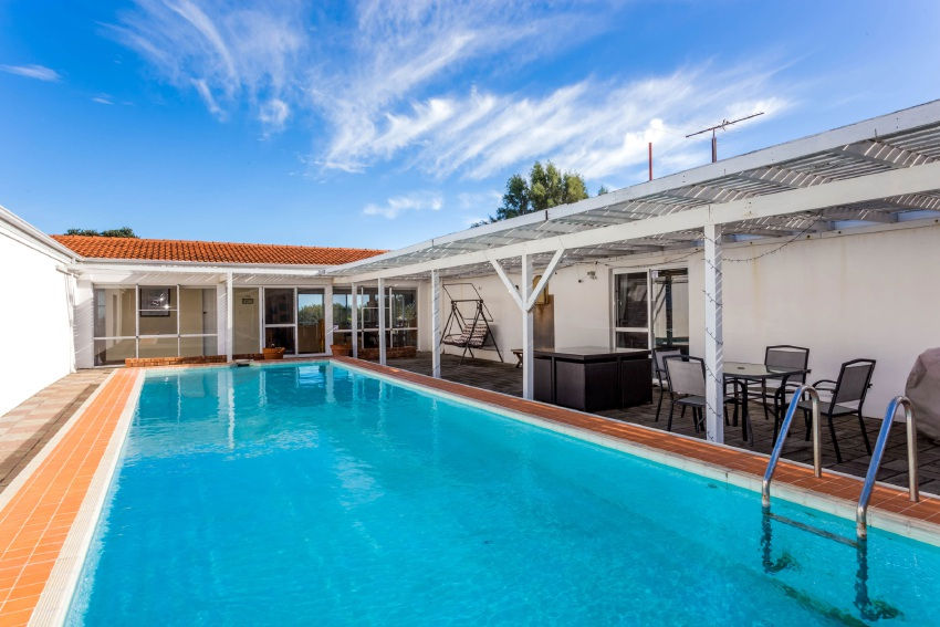 City Beach, 34 Chipping Road – Auction, June