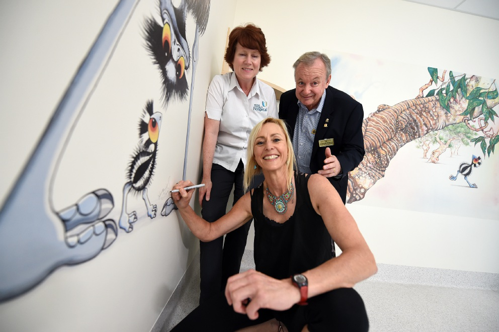 Artist Wendy Binks with Allison Martin and Jean-Marc Authelet. Picture: Jon Hewson d452621