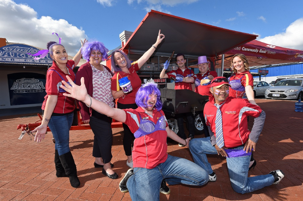 Ryan Weal and Doug Savase (front) with Charlene Dawson, Yasha Clemitshaw, Kelly Litton, Stephen Boyan, Sharon Hooper and Jess Winckles. Picture: Jon Hewson        www.communitypix.com.au   d455723