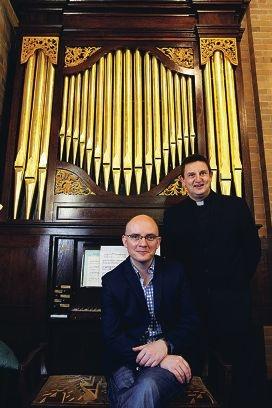Organist Joseph Nolan and the Reverend Ben van der Klip. Picture: Marcelo Palacios www.communitypix.com.au d429163