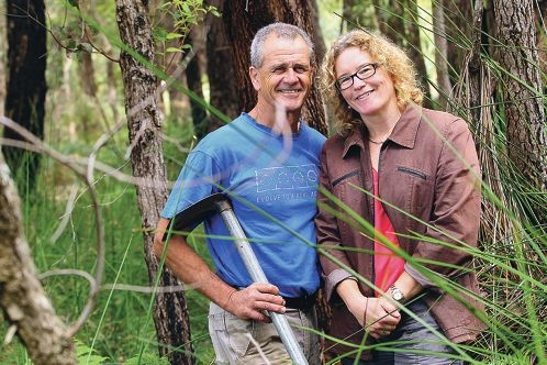 Adventuring out: Terry Hewett and partner Diana Blacklock. Picture: Marcelo Palacios www.communitypix.com.au d427238