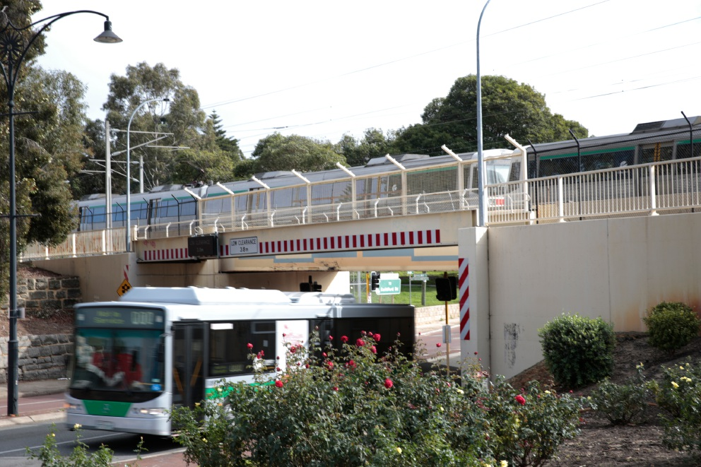 Bayswater train station a focus for Federal candidates