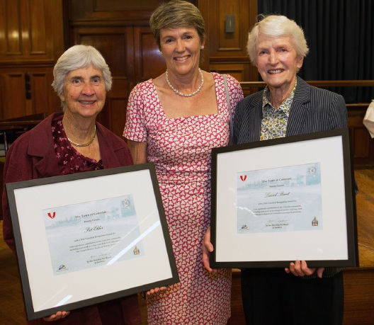 Cottesloe Mayor Jo Dawkins (centre) with Volunteer Recognition awardees Pat Elder (left) and Laurel Bant.