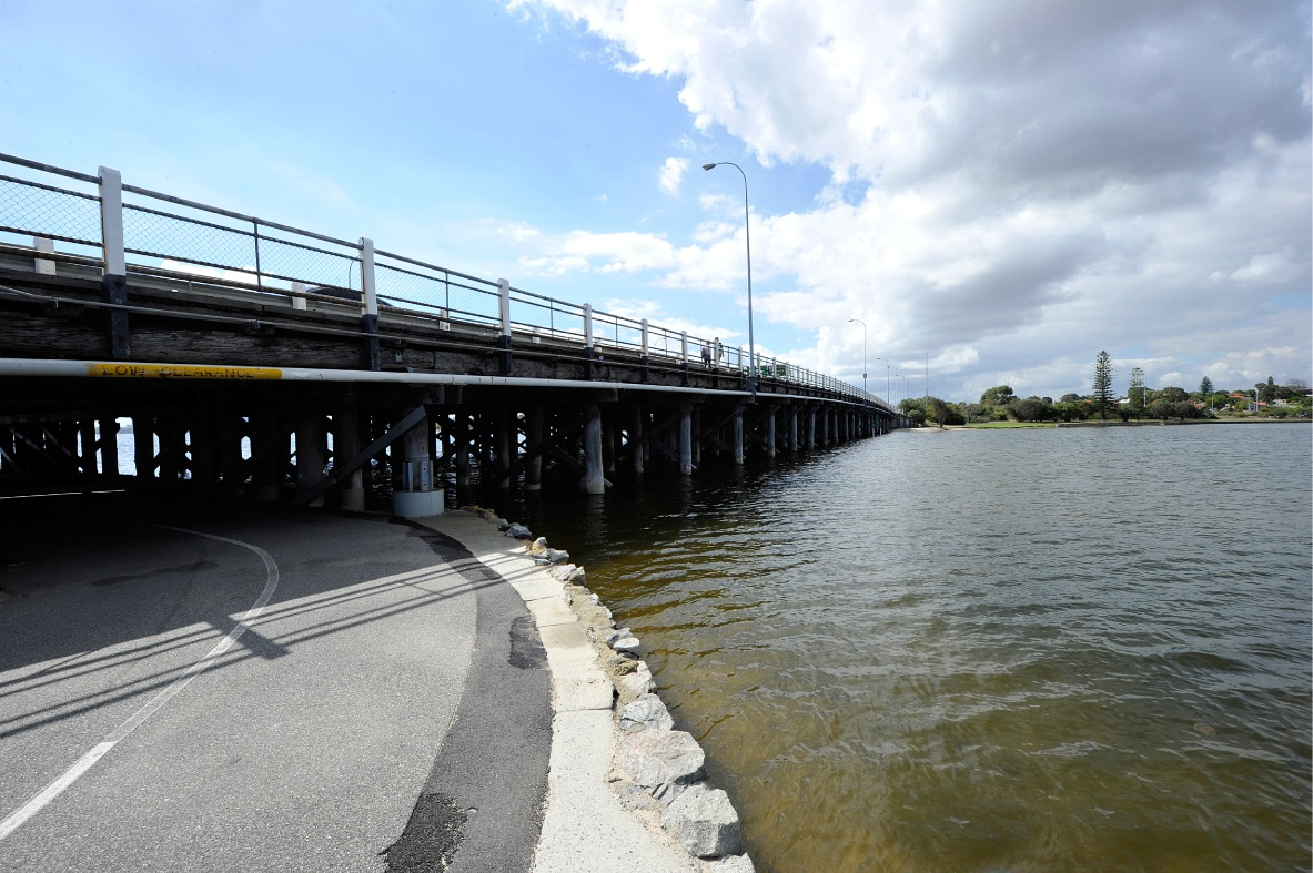 Safer pedestrian access to Canning Bridge not on horizon