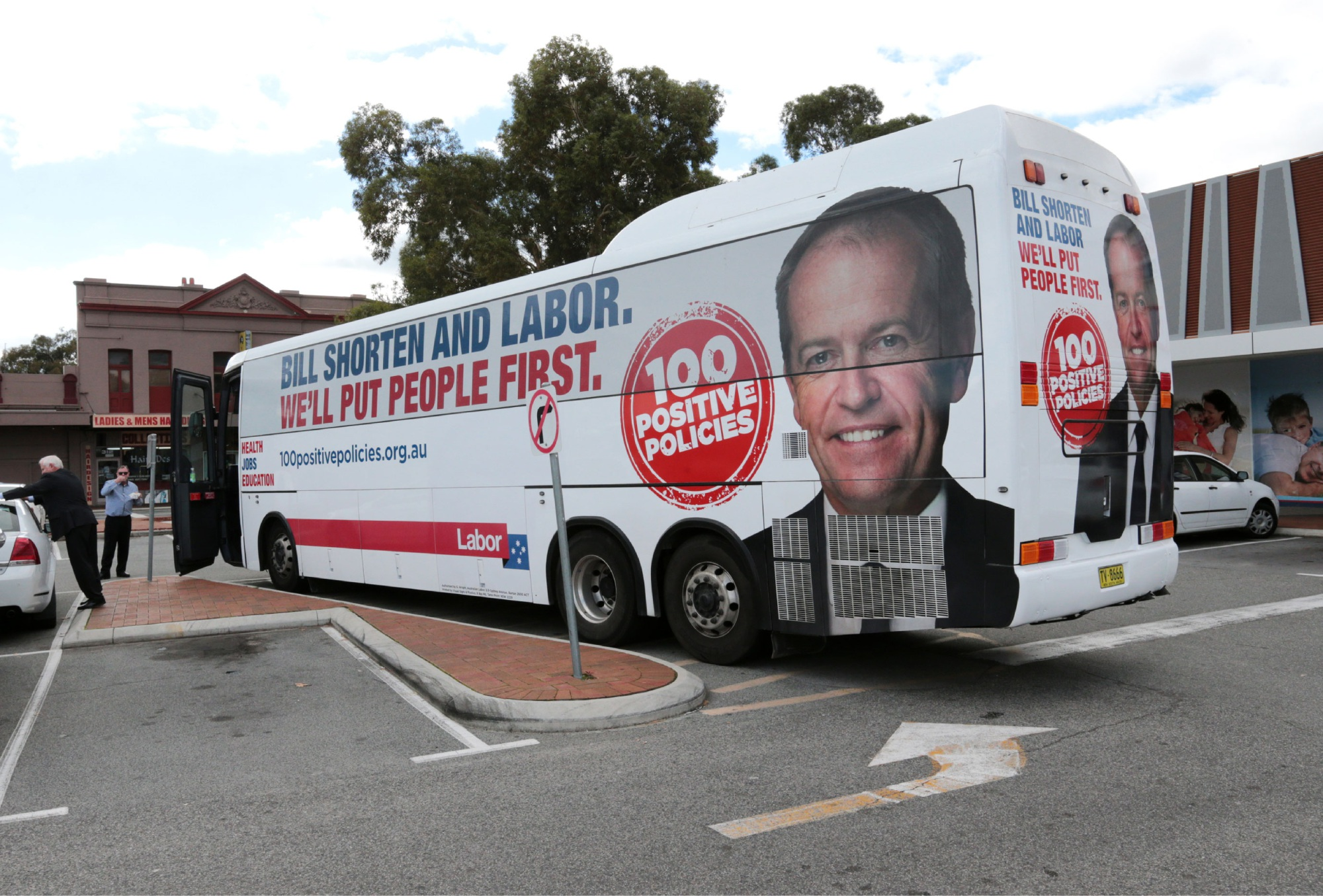 Shorten's Roe Highway cut a blow for Fremantle