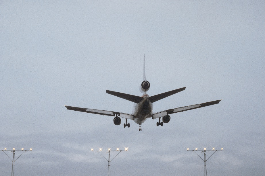 Aircraft noise and health effects to be discussed in Guildford