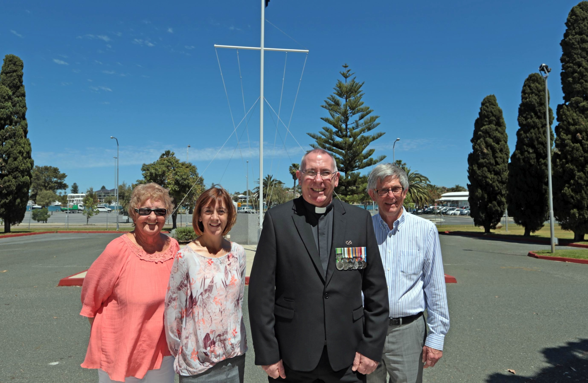 Marlene Robins and Sue Sambridge from Legacy with chaplain Andrew McNeill and Roger Munt from Perth Discovery Choir.