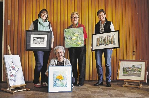 Artists Zee O'Cathail, Biruta McLaughlin, Eunice Mitussisand Chris Harrison. |Picture: Elle Borgward www.communitypix.com.au   d438742
