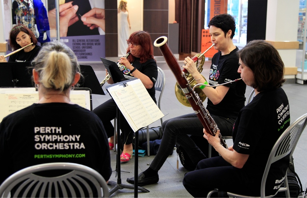 Perth Symphony Orchestra Treats Shoppers to Classics