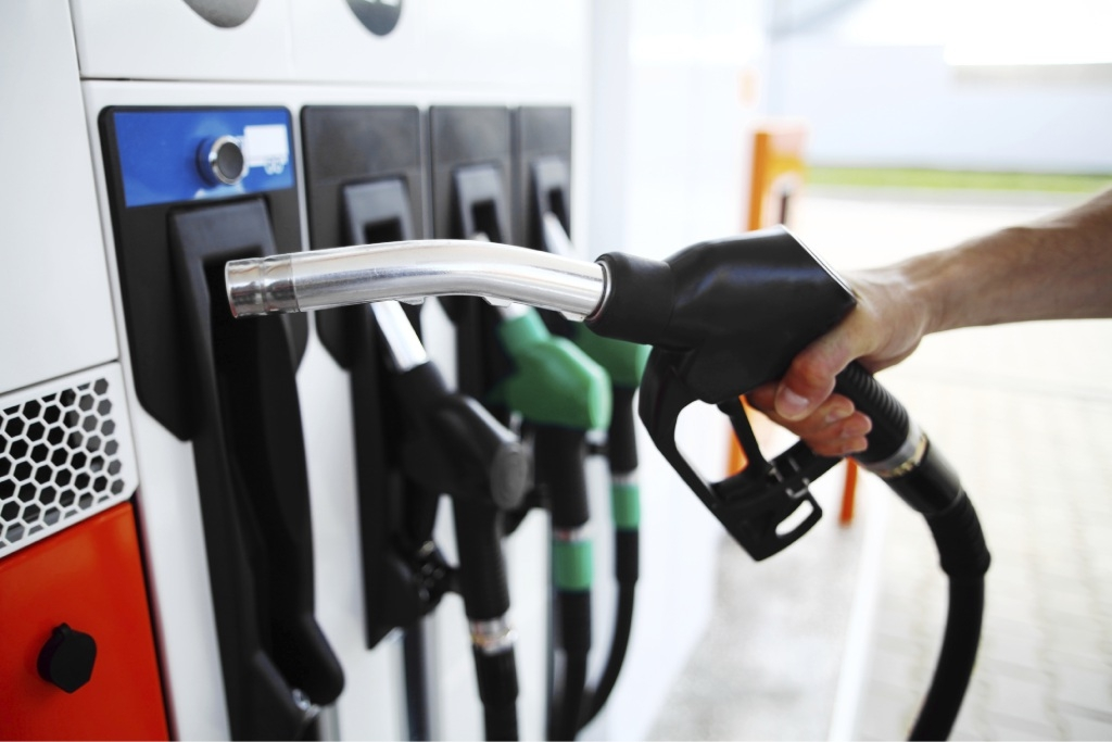Fuel prices set to soar, drivers urged to fill up today