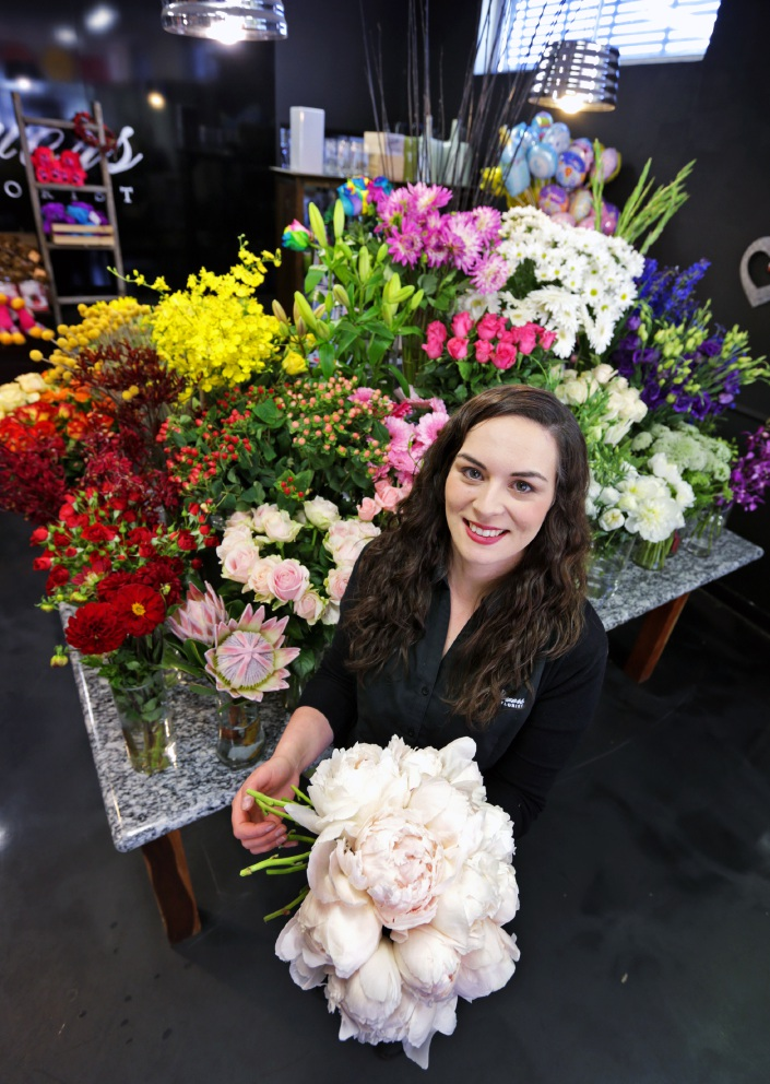 Florist Sophie Hobbs of Angel Flowers in Guildford. Pic: David Baylis d446936b