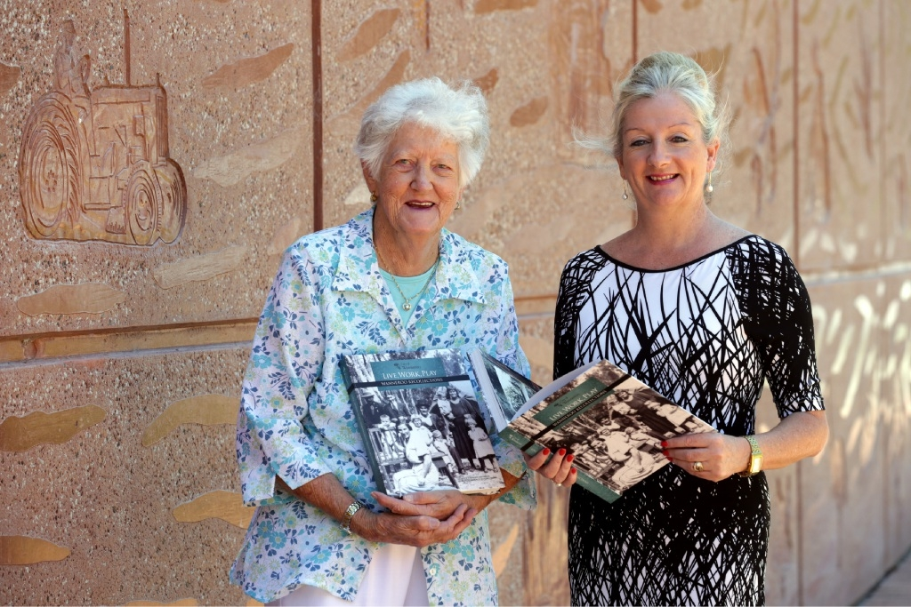Wanneroo pioneer Margaret Cockman with Mayor Tracey Roberts.Picture: Martin Kennealey www.communitypix.com.au   d447196