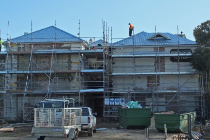The historic Guildford Hotel now has a complete foof after seven years without.