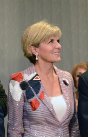 Election 2016: Julie Bishop bucks national trend with swing in Liberal's favour in Curtin