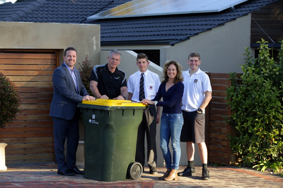 Joondalup Mayor Troy Pickard with Duncraig couple Tony and Glenda Moore and their sons Mitch (14) and Jack (16). Picture: Martin Kennealey www.communitypix.com.au   d456095
