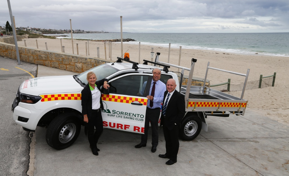 Christine Cougan, from Sorrento Surf Life Saving Club, Moore MHR Ian Goodenough and Galleria Toyota's Craig Tickner. Picture: Martin Kennealey        d455788