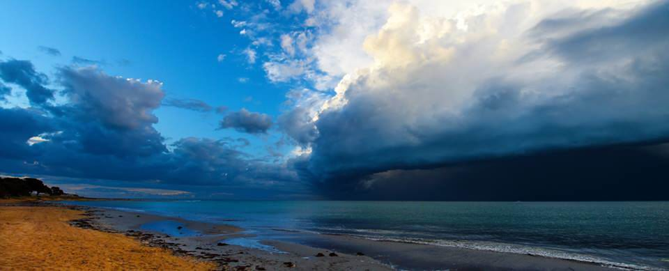 Mandurah and Perth set for wild weekend of weather