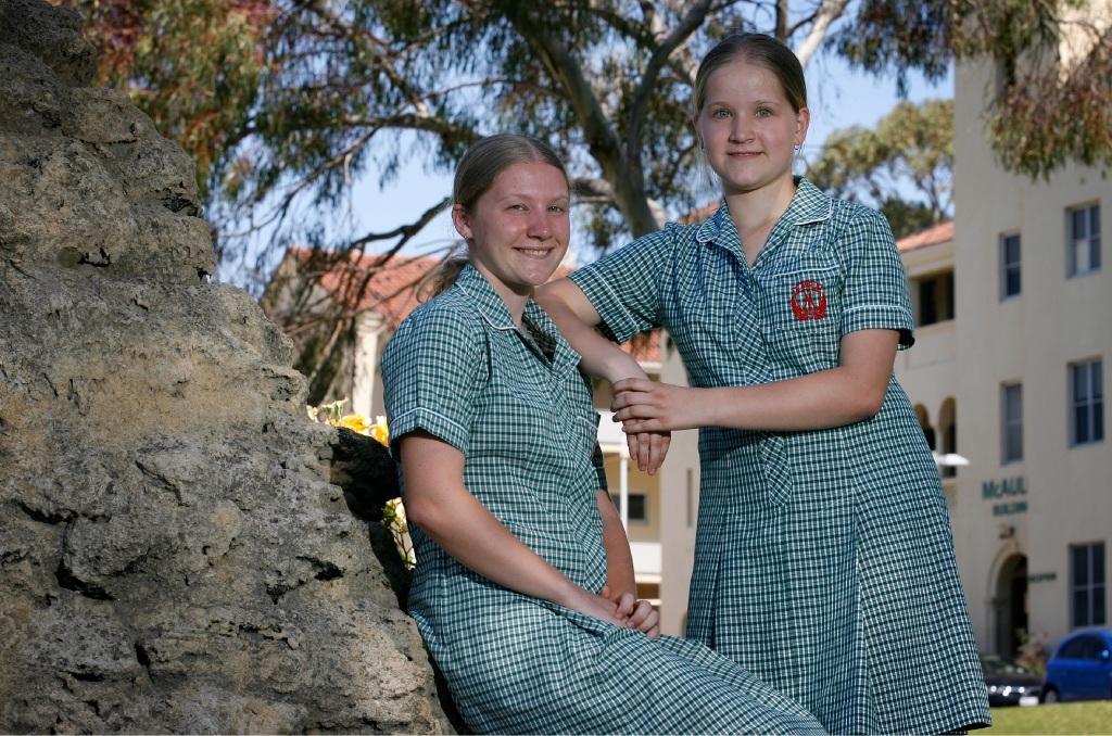 Emily Hardbottle and her sister Lauren