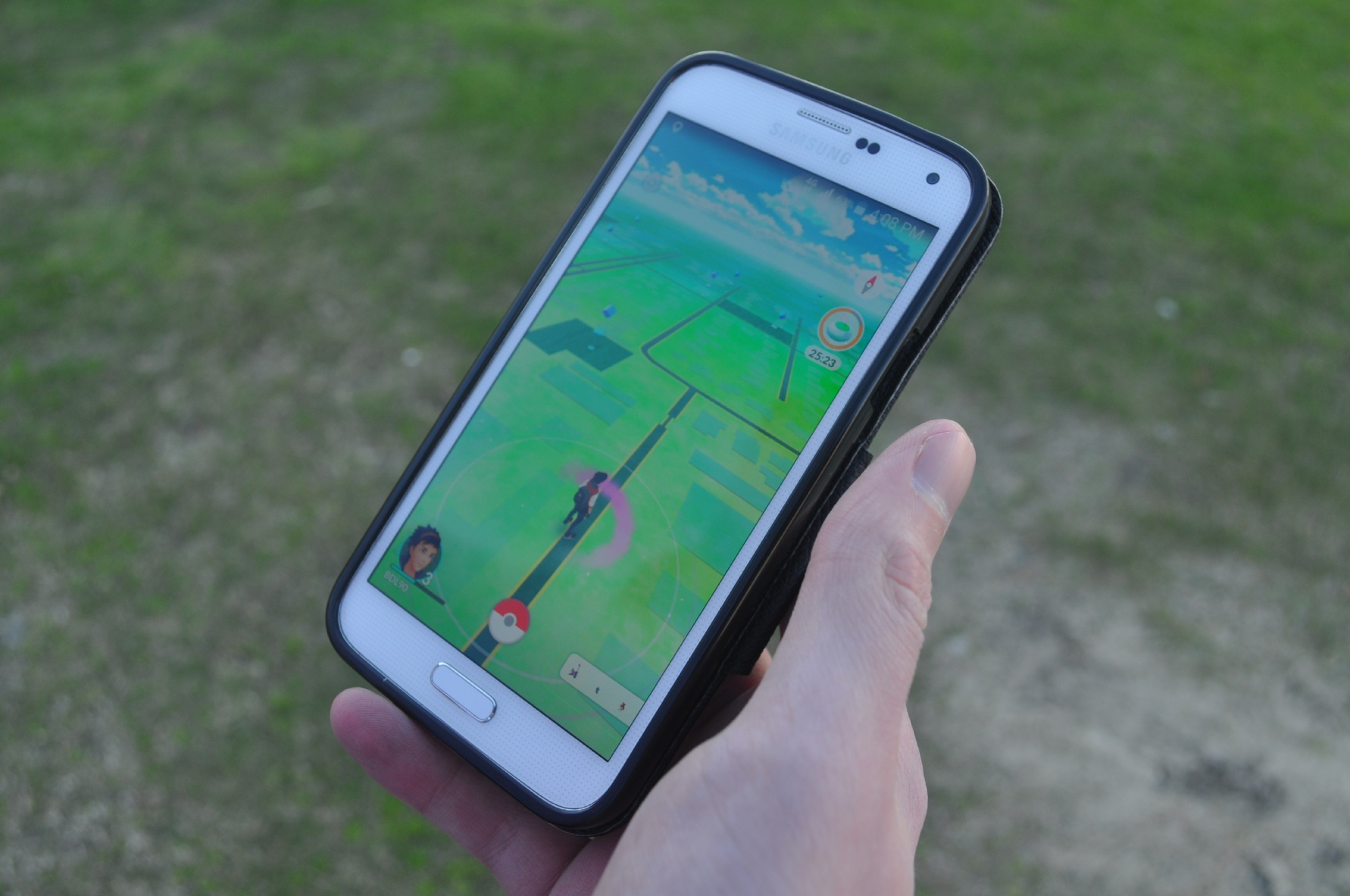 Armadale police almost hit Pokemon Go player, warn users to be vigilant