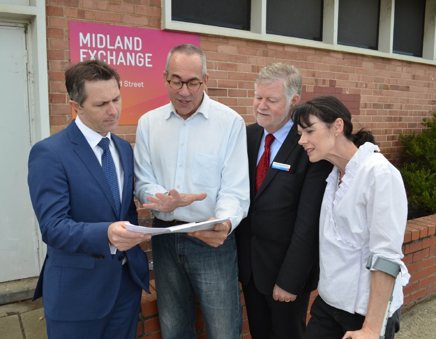 Jason Clare with Bill Leadbetter,  ALP candidate for Hasluck, and Michael and Lynda Goldschlager.