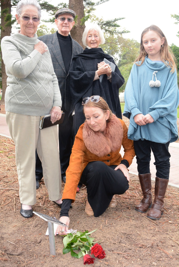 Mosman Park families attend rededication of Norfolk pines for WWI servicemen