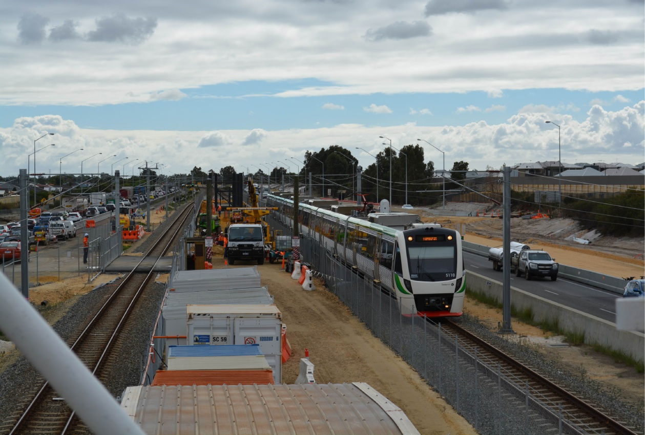 Aubin Grove Station: freeway and rail disruptions while station structures lifted into place