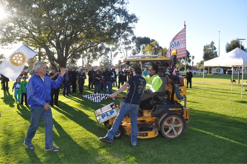 Rotarian completes trip around Australia and mows down records
