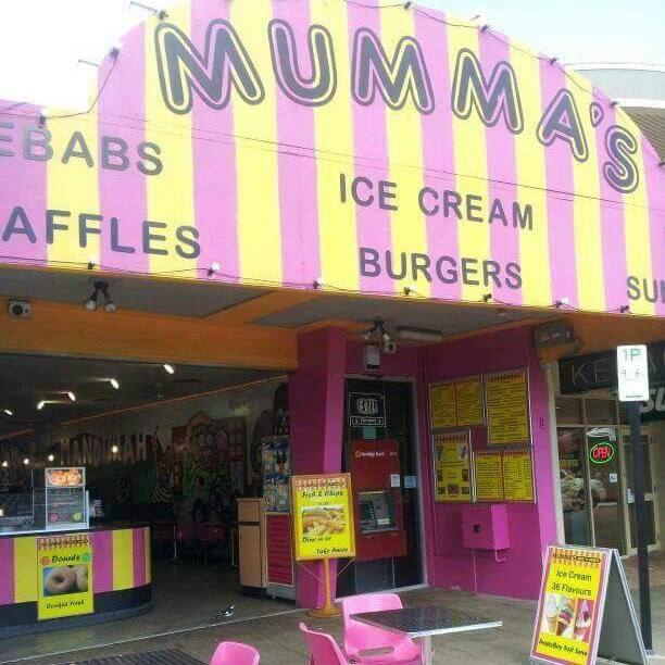 Mandurah: employee stops would-be thief from taking charity box at Mumma's Eats n Sweets