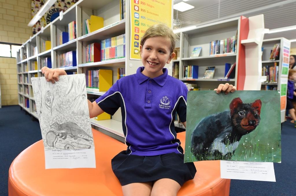 Sophie Arnold raised $350 for the Tasmanian Devil breeding program at Peel Zoo.Picture: Jon Hewson www.communitypix.com.au   d452201