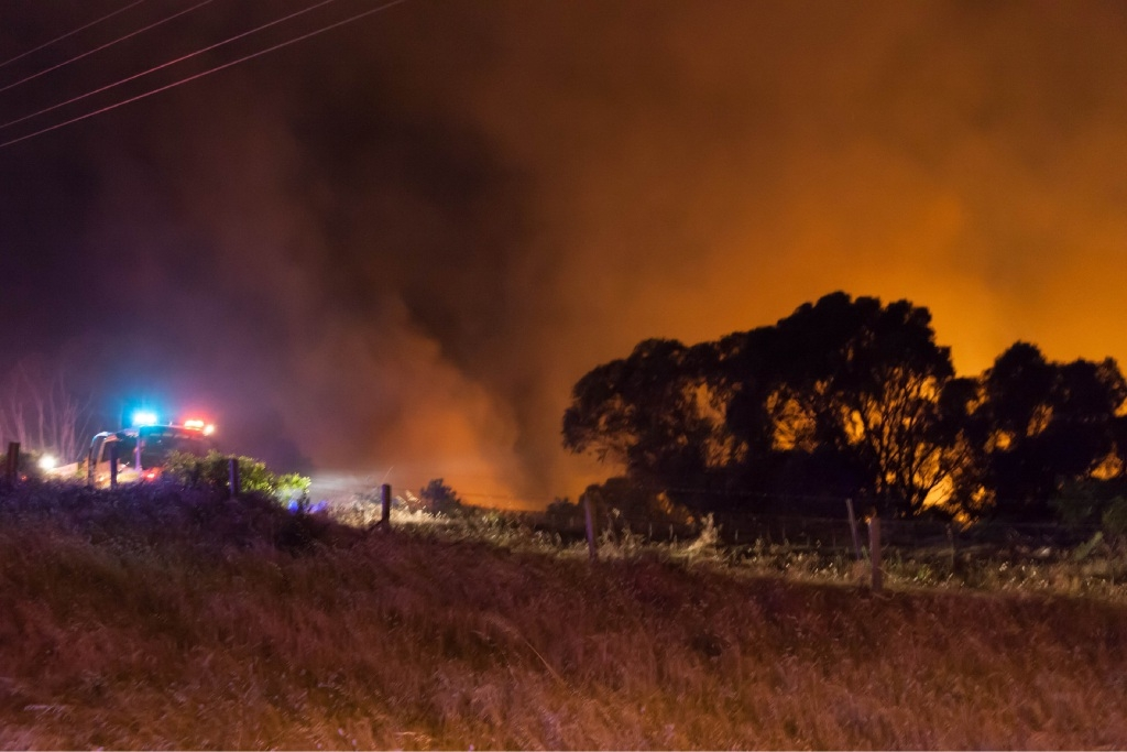 Suspicious Fires Destroy Bushland, Threaten Homes