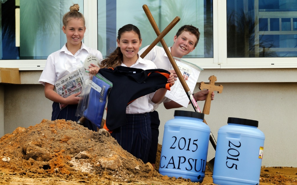 Year 6 students Gabrielle Robinson,Tiarna Newbold and Trent Sealy.Picture: Martin Kennealey  d447572