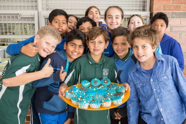 Belmay Primary gets blue in support of mental health advocates