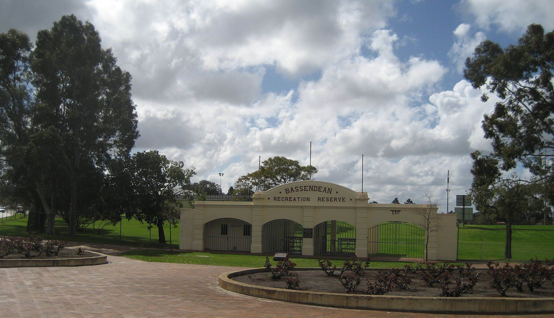 Bassendean Oval: gates to be installed to keep 'drug users and homeless' out of toilet block