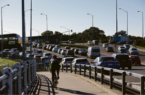 Merge lines on Canning Highway fixed; traffic flow back to normal