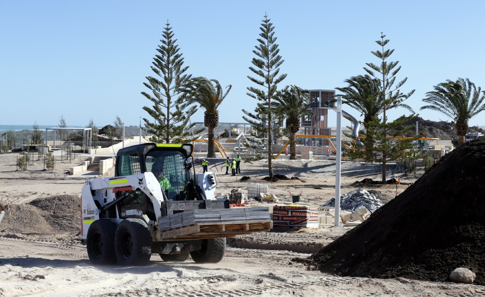 Work is underway on a foreshore park and playground in Jindalee. Picture: Martin Kennealey d457596