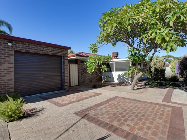 Rockingham, 7 Pericles Court – $289,000 – $299,000