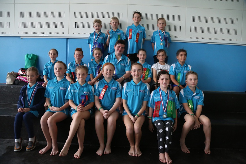 The Swim School Merriwa junior lifeguards; and Wanneroo Aquamotion junior lifeguards.