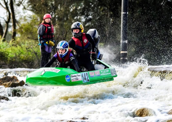 Steve and Alannah Brown in action in the Avon Descent.