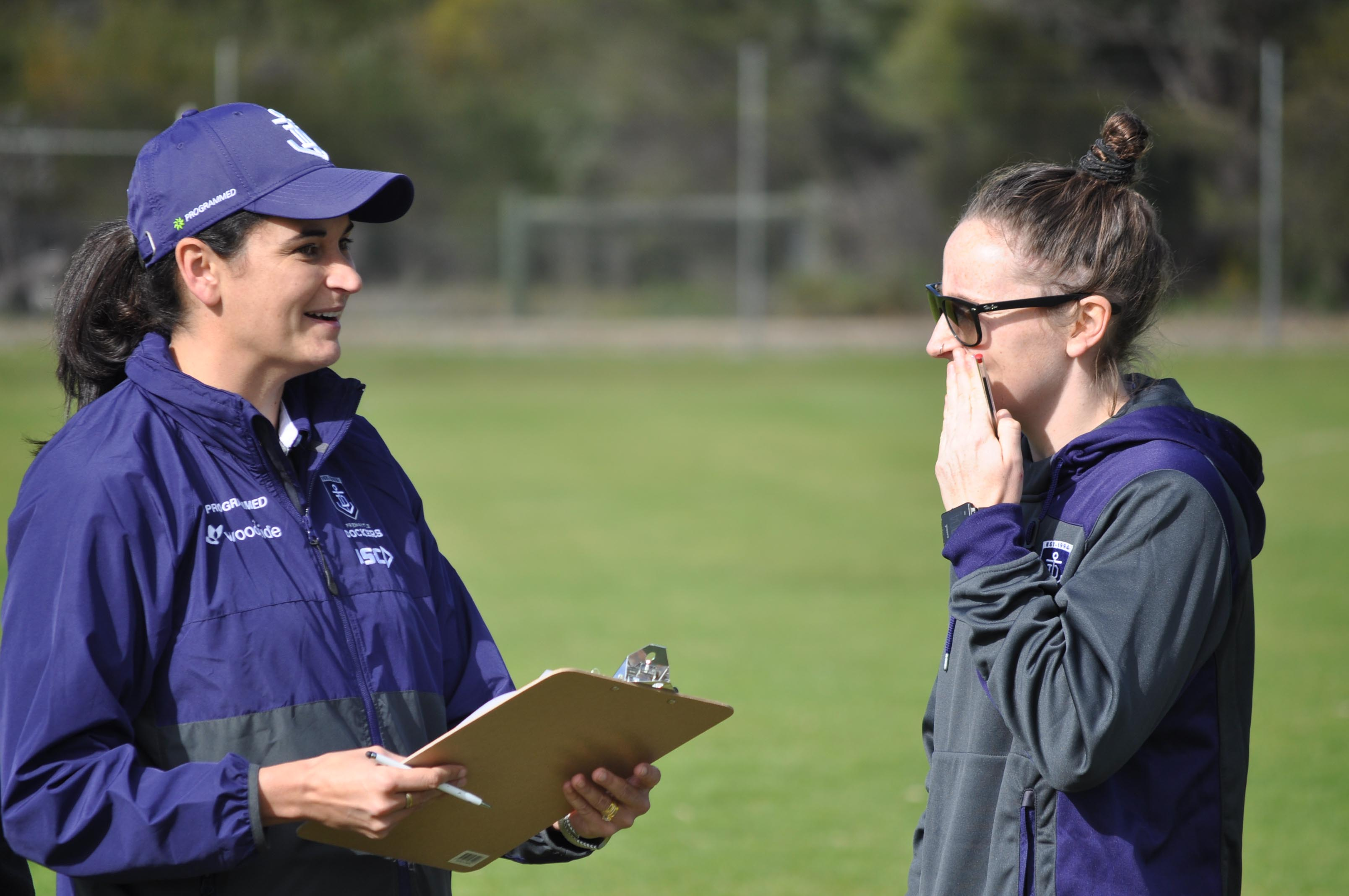 Fremantle Dockers women's coach Michelle Cowan talks with marquee signing Kara Donnellan.