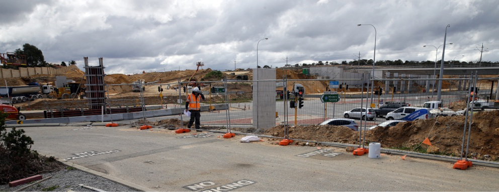 Works being carried out along the Mitchell Freeway.