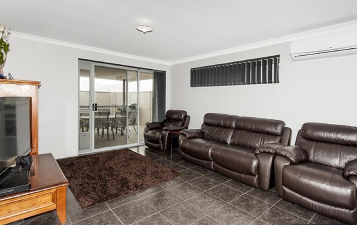 Golden Bay, 9 Cooralya Avenue – $389,000