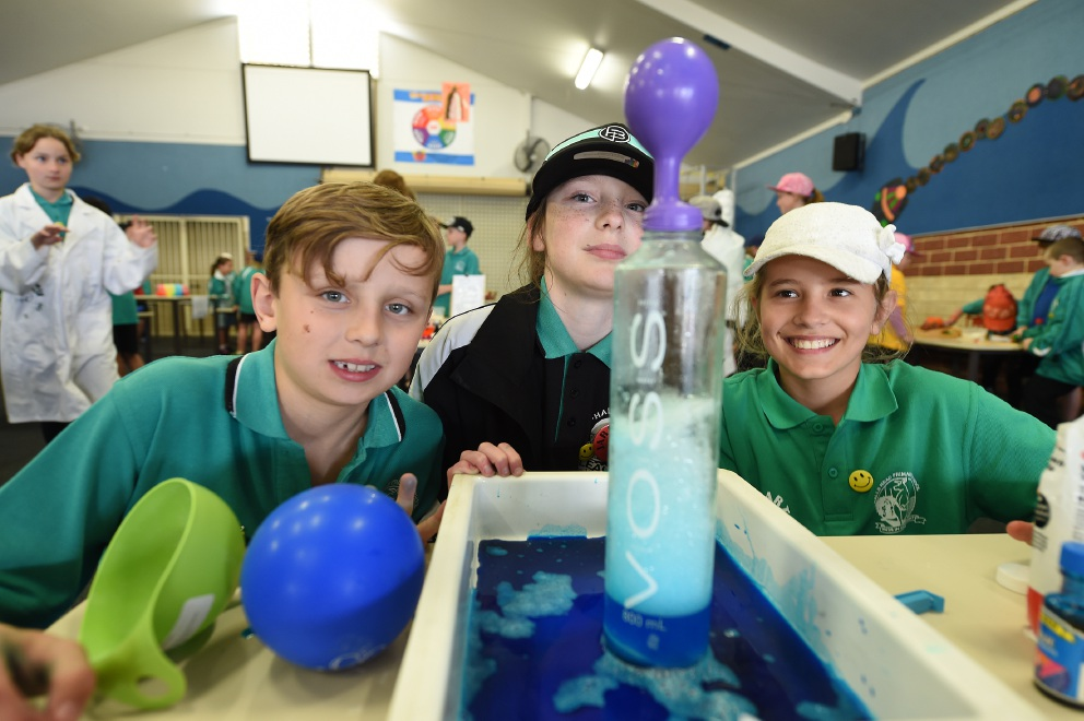 Halls Head Primary students find the formula for fun during Science Week