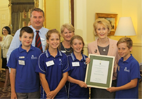 Rosalie Primary receives leadership award from WA Governor