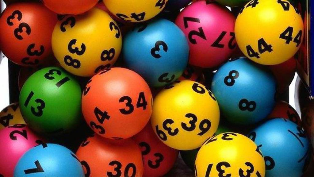 Greenfields retired couple win Lotto