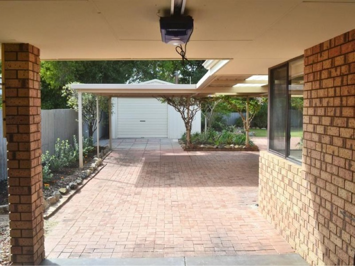 Safety Bay, 61 June Road – $455,000