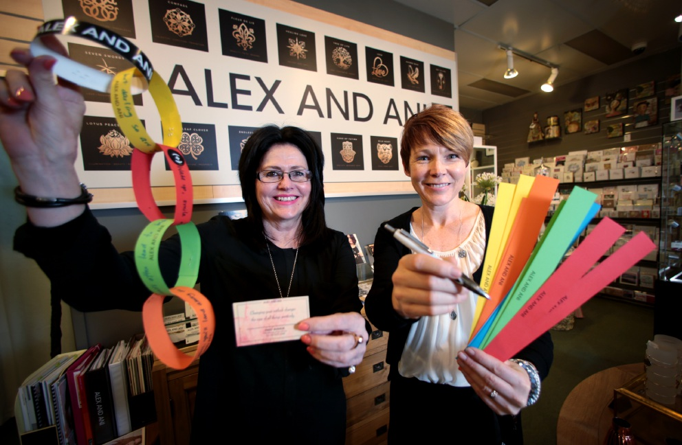First Avenue manager Bettina Wilschefski and Alex and Ani ambassador Devra Watts are urging the community to share some positive messages. Picture: David Baylis           d458768