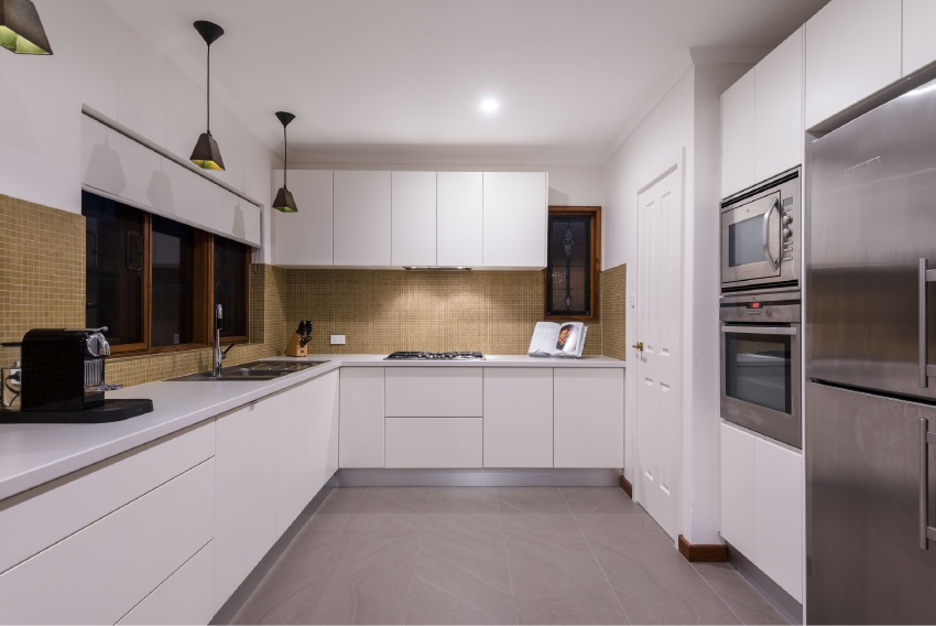 City Beach, 7 Goonang Road – Offers by 4pm, September 15