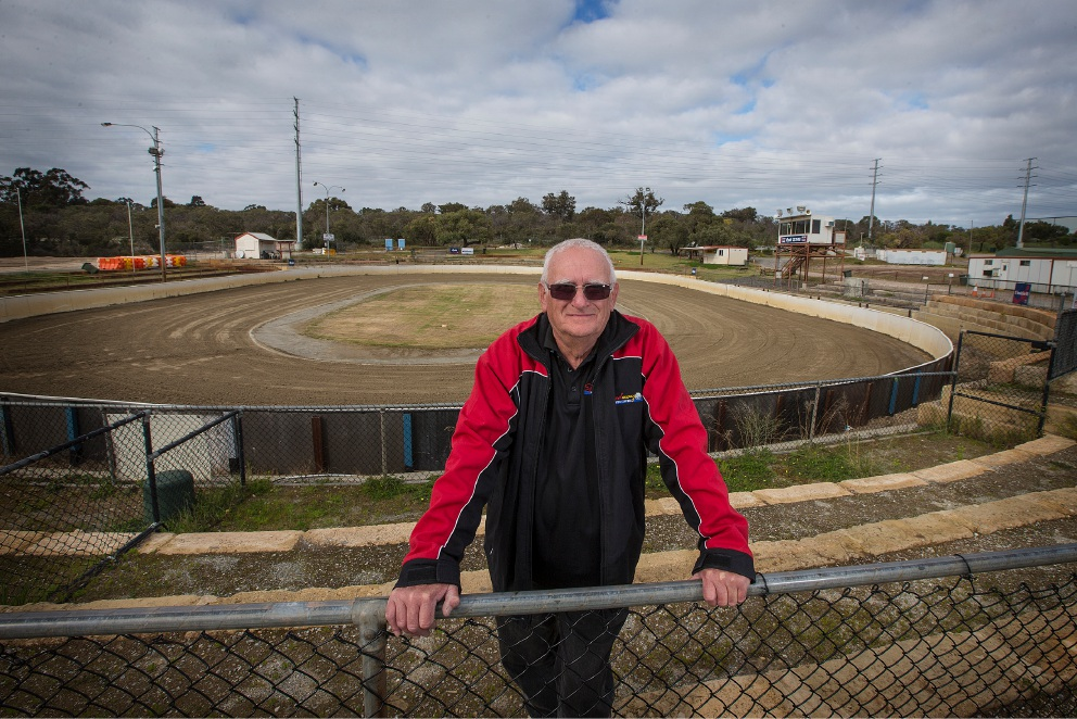 Speedway Motorcycle Club of WA's Grant Taylor oversees grading works on the senior track in Neerabup this month. Picture: Will Russell        d459037