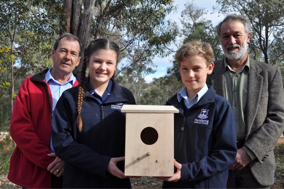 Shire President David Lavell, Mundaring Christian College students Chaela Hannen-Williams and Elijah Croot, and Shire Deputy President Patrick Bertola.