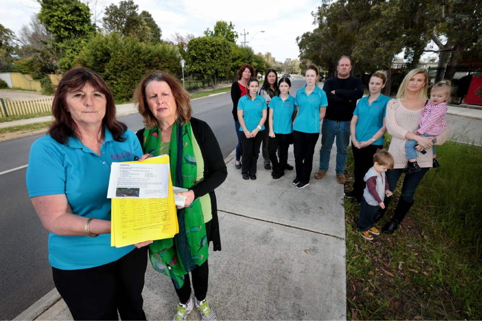 Quarry quagmire... Local business owner Angela Rowan and local Bullsbrook resident holding a petition protesting a proposal to build a landfill site in Bullsbrook. Picture: David Baylis        www.communitypix.com.au   d459262